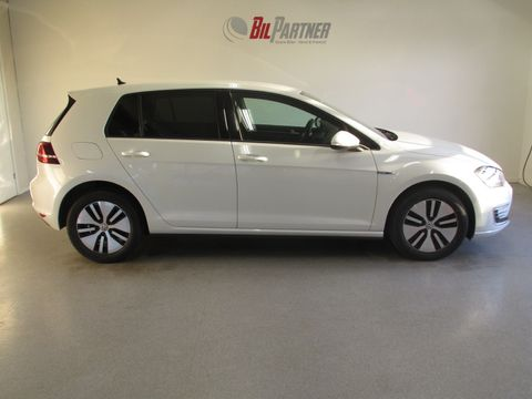 volkswagen-golf-gte-plug-in-hybrid-sport-lys-assist-acc-led-navi+-++-2015,-47 900-km,-kr-218 900,-